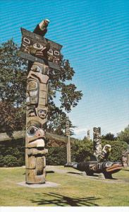 VICTORIA, British Columbia, Canada, 1940-1960´s; Thunderbird Park