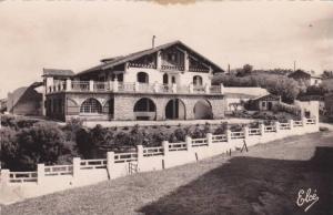RP; PAYS BASQUE - BIDART, Villa Basque sur la Cote, Aquitaine, France, 00-10s
