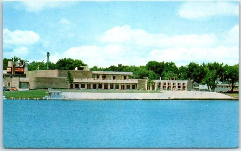 Waterloo, Iowa Postcard Recreation and Arts Center Cedar River View 1950s Unused