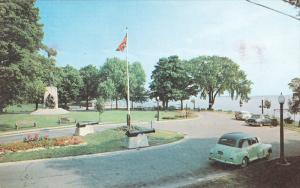 Couchiching Beach Park, Champlain Monument, ORILLA, Ontario, Canada, 40-60´