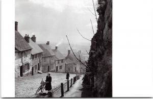 Postcard The Cobbles, Gold Hill, Shaftesbury, Dorset 1950's by English Heritage