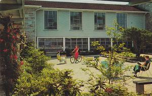 BALTIMORE, Maryland, 40-60´s; Froelicher Courtyard, Goucher College
