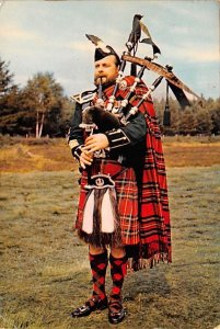 Pipers Scotland, UK 1963