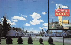 Sault Ste Marie Michigan~Sno-White Motel~Disney Image Sign~Neon~1970s Postcard