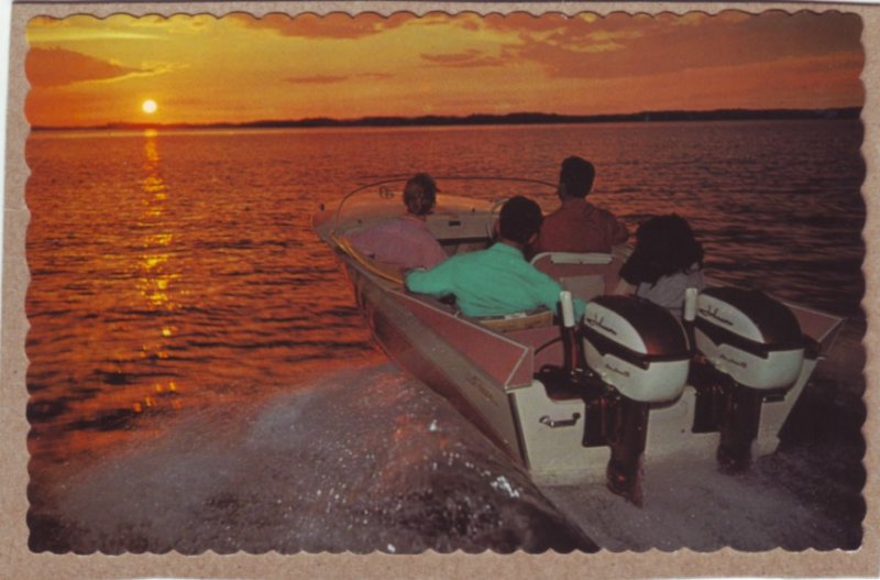 P1348 vintage unused postcard old boat twin johnson outboards west into the sun