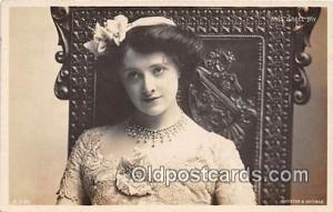 Foreign Actress Postcard Artist Johnston & Hoffmann Miss Isabel Jay