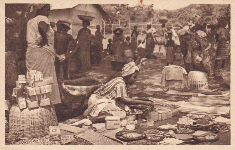 SAVALOU, Collines Department , Benin , 1910s ; Scene du Marche