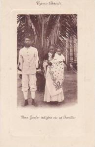 Madagascar Types Betsileo Un Garde indigene et sa Famille
