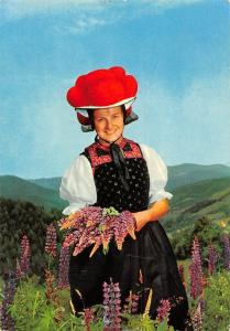 Schwarzwald Gutacher Tracht Woman Flowers Fleurs