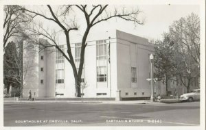 RP: OROVILLE , California , 1940s ; Court House