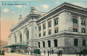 Albany New York~Railroad RR Passenger Station~Horse Buggies Line Up~1914 Postcar