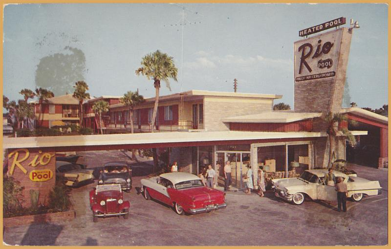 Daytona Beach, FLA., Rio Hotel, Directly on the Ocean, Cool Vintage Cars -