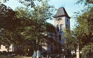 RI - Wakefield, Town Hall & Ancient Cemetery