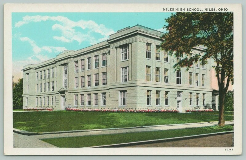 Niles Ohio~lowers Surround City High School on Intesection~1920s Postcard