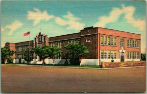 1940s DEMING, New Mexico Postcard PUBLIC SCHOOL Building / Street View Linen