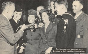 USA WW2 1945 Postcard Tom Breneman in Hollywood Serviceman's Party 44Y