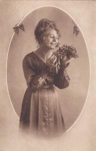 Woman with grapes portrait , 00-10s, 4/6