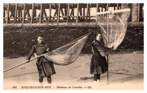 Boulogne sur Mer    Picheusesde Crevettes , Fisherman with nets
