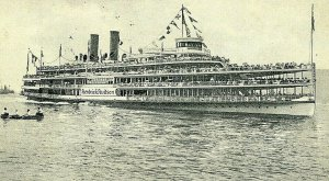 Postcard Steamer 1920 View Hendrick Hudson of the Hudson River Day Line.   S7