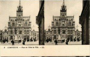 CPA COMPIEGNE Place de l'Hotel de Ville (864980)