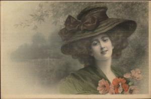 RR Wichera - Beautiful Woman Large Hat & Flowers MM Vienne M Munk #411 PC