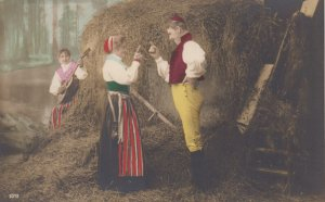 RP: 2 girls & boy , hay stack , Norway , 00-10s
