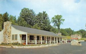 Shaftsbury Vermont~Iron Kettle Restaurant And Gifts~1960 Postcard