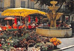 France Cote d'Azur, Grasse, Cite des Fleurs, Le Marche Place aux Aires Fountain