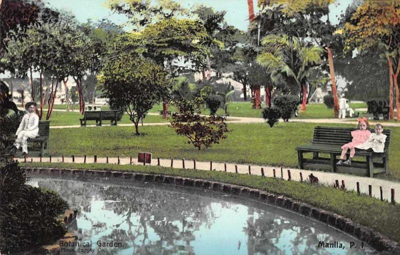 Manila Philippines Botanical Gardens Children on Bench Vintage Postcard JE229551