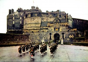 Scotland Edinburgh Castle The Pipe Band Of The Queen's Own Highlanders 1971