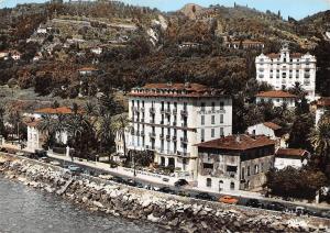 France Cote d'Azur Menton Quai Laurenti Hotel Beau Rivage et Garavan Palace