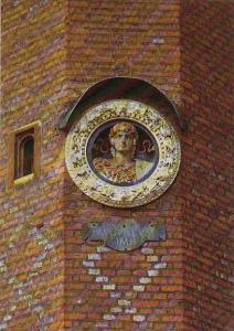 England London Roundel In Clock Depicting Augustus Hampton Court Palace
