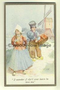 su0822 - Dutch Children by artist Gwen Hayward Young - postcard