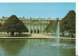 Middlesex Postcard - Hampton Court Palace - The East Front - Ref 10249A
