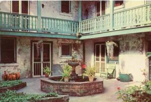 LA - New Orleans, Bosque House Patio