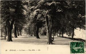 CPA LL. 40 ÉPINAL Le Cours - Une Allee (405602)