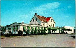 1950s Somerville, New Jersey Postcard FAR HILLS INN Restaurant Rte 202 Roadside