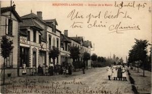 CPA MIGENNES-LAROCHE - Avenue de la Mairie (358427)