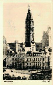 USA Philadelphia City Hall RPPC 04.56
