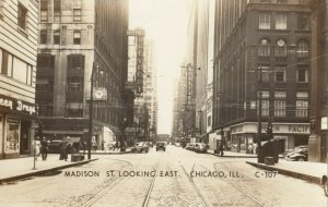 RP: CHICAGO , Illinois, 1920-30s ; Madison Street Looking East
