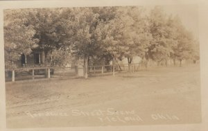 RP: McLOUD , Oklahoma , 1908 ; Residence Street Scene