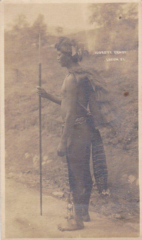 RP: LUZON , Philippines , 00-10s ; Igorot man w/ spear