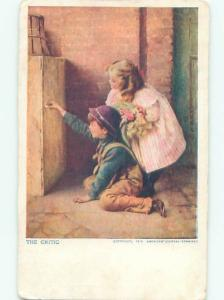 Pre-Linen GIRL WATCHES BOY DRAWING ON THE WALL AC1466