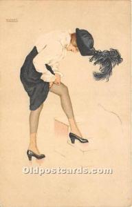 Artist Raphael Kirchner Old Vintage Postcard Marque L-E Le coup de la Jarrete...