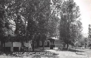 Fountain-Free Soil MI Cabins in the Shade on Gun Lake~Roy Setty Resort RPPC 1953