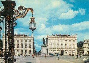 Postcard France Nancy Meurthe et Moselle Place Stanislas Leczinski statue