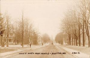 Bluffton Indiana~Main Street North @ Arnold~Homes~Folks in Road~Snow~c1912 RPPC