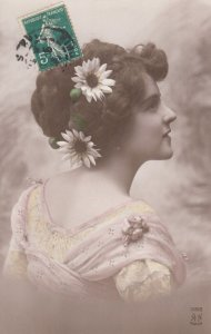 RP: Woman with Daisy flowers in hair , 00-10s