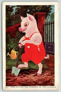 HH Fantasy~Dressed Piglet~Red Bibs~This Little Pig Worked the Garden~#1974~PC