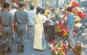 Flower Market SAIGON Downtown Street Scene VIETNAM 1972 Vintage Postcard